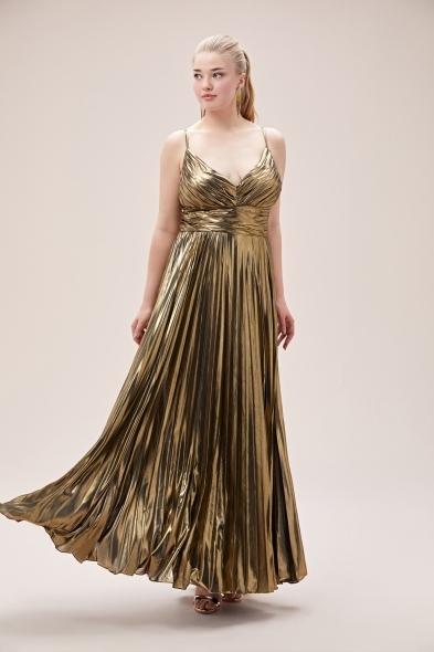 Viola Chan - Altın Rengi İnce Askılı Folyo Şifon Uzun Büyük Beden Elbise