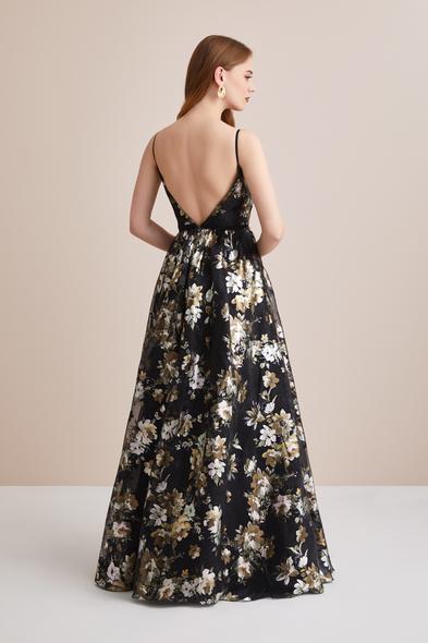 Viola Chan - Çiçekli Siyah Kruvaze İp Askılı Çan Etekli Uzun Abiye (1)