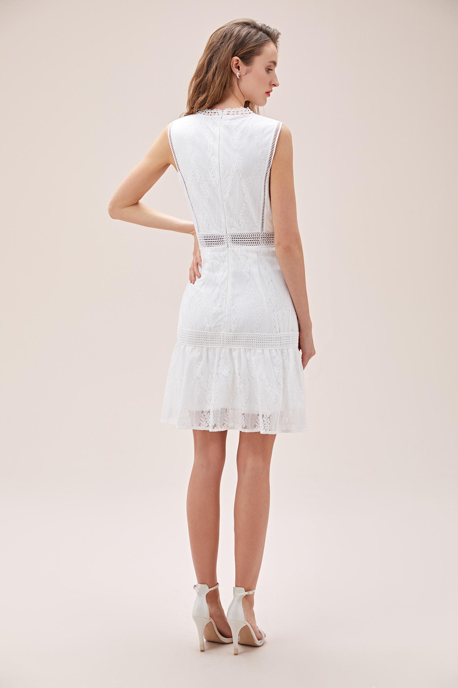 Beyaz Dantel İşlemeli Askılı Yüksek Yaka Kısa Nikah Elbisesi - Thumbnail