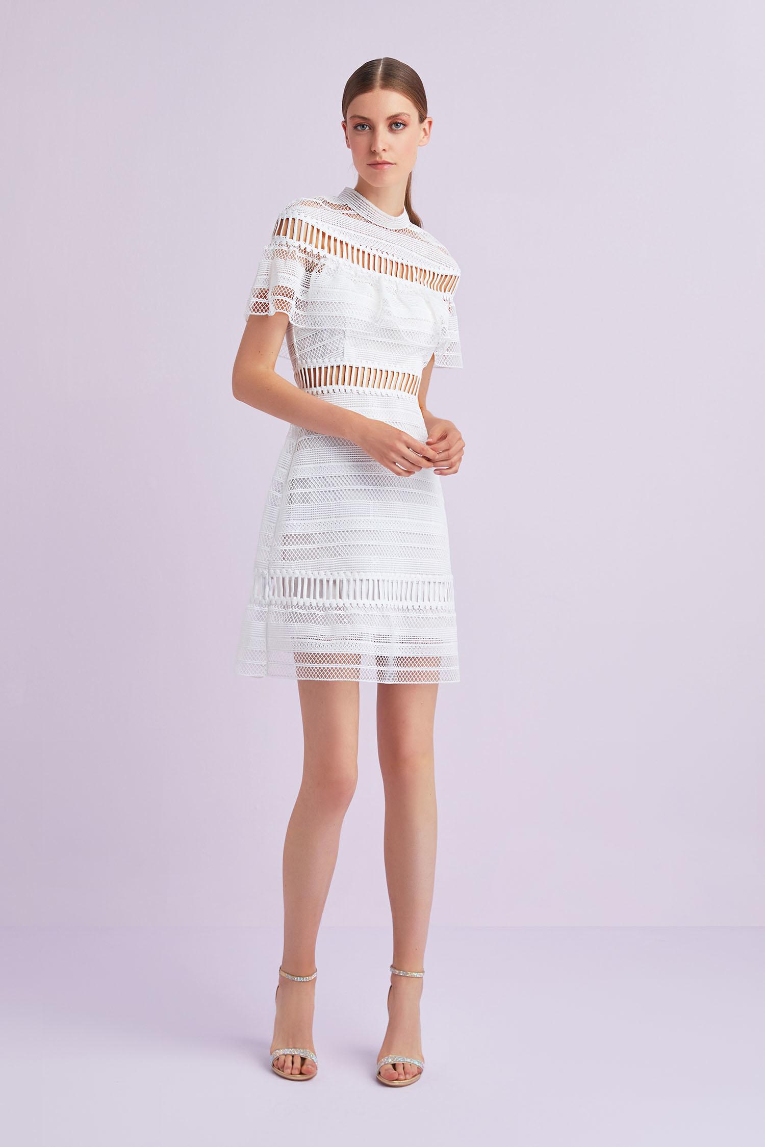 Beyaz Kısa Kollu Dantel İşlemeli Kısa Büyük Beden Nikah Elbisesi - Thumbnail