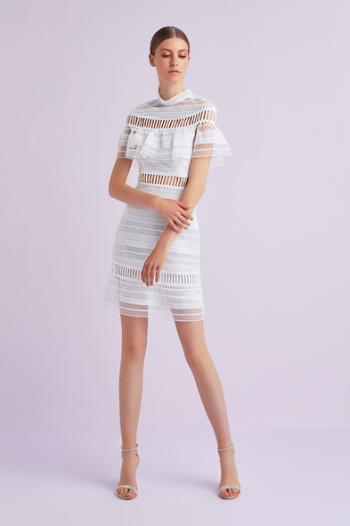VC by Viola Chan - Beyaz Kısa Kollu Dantel İşlemeli Kısa Büyük Beden Nikah Elbisesi