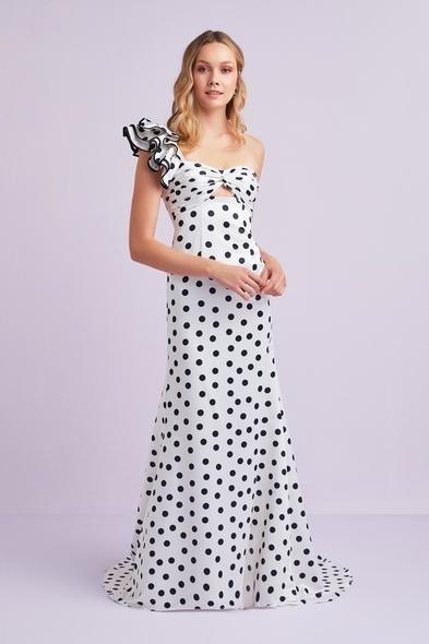 Beyaz Tek Omuzlu Puantiyeli Saten Uzun Elbise