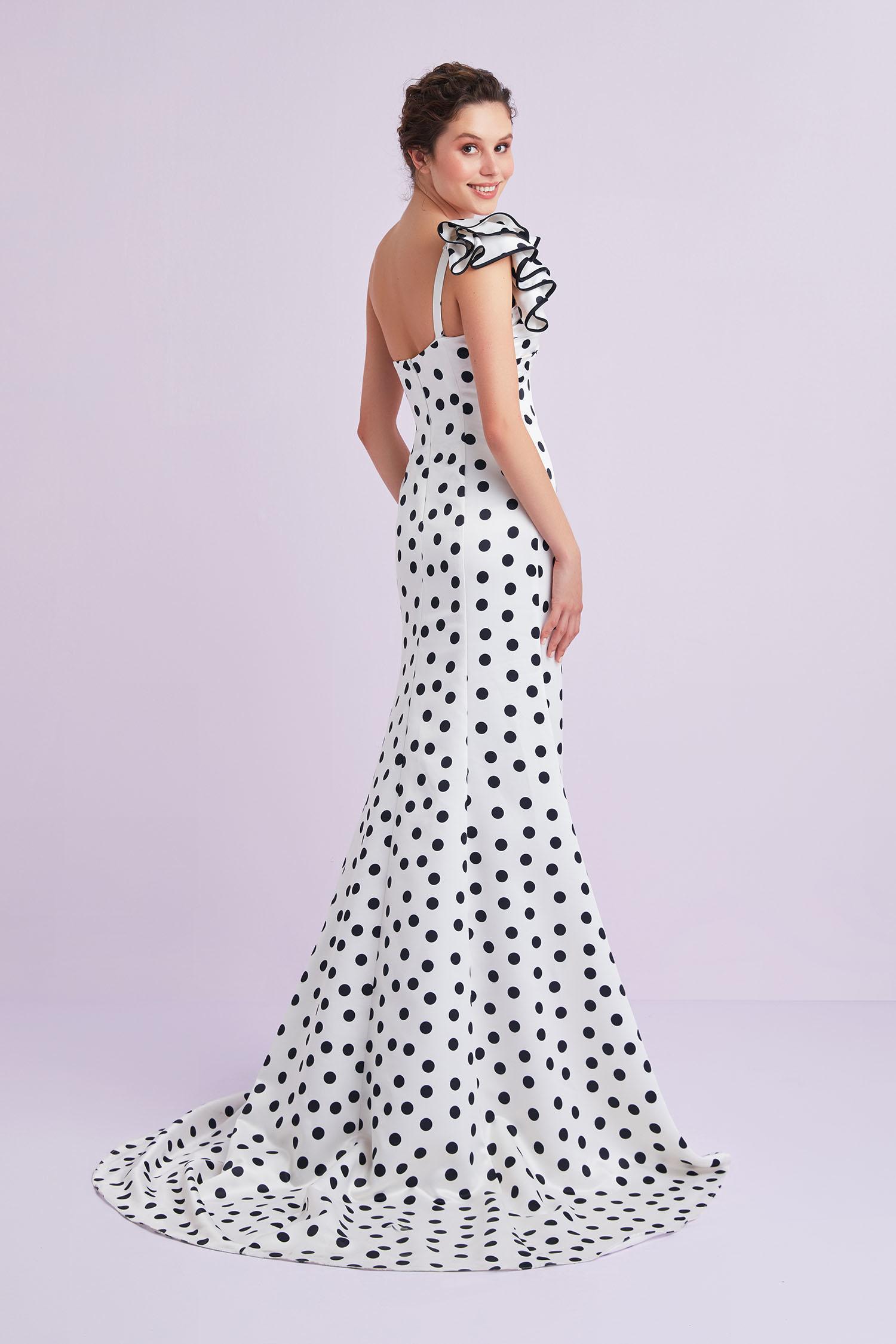 Beyaz Tek Omuzlu Puantiyeli Saten Uzun Elbise - Thumbnail
