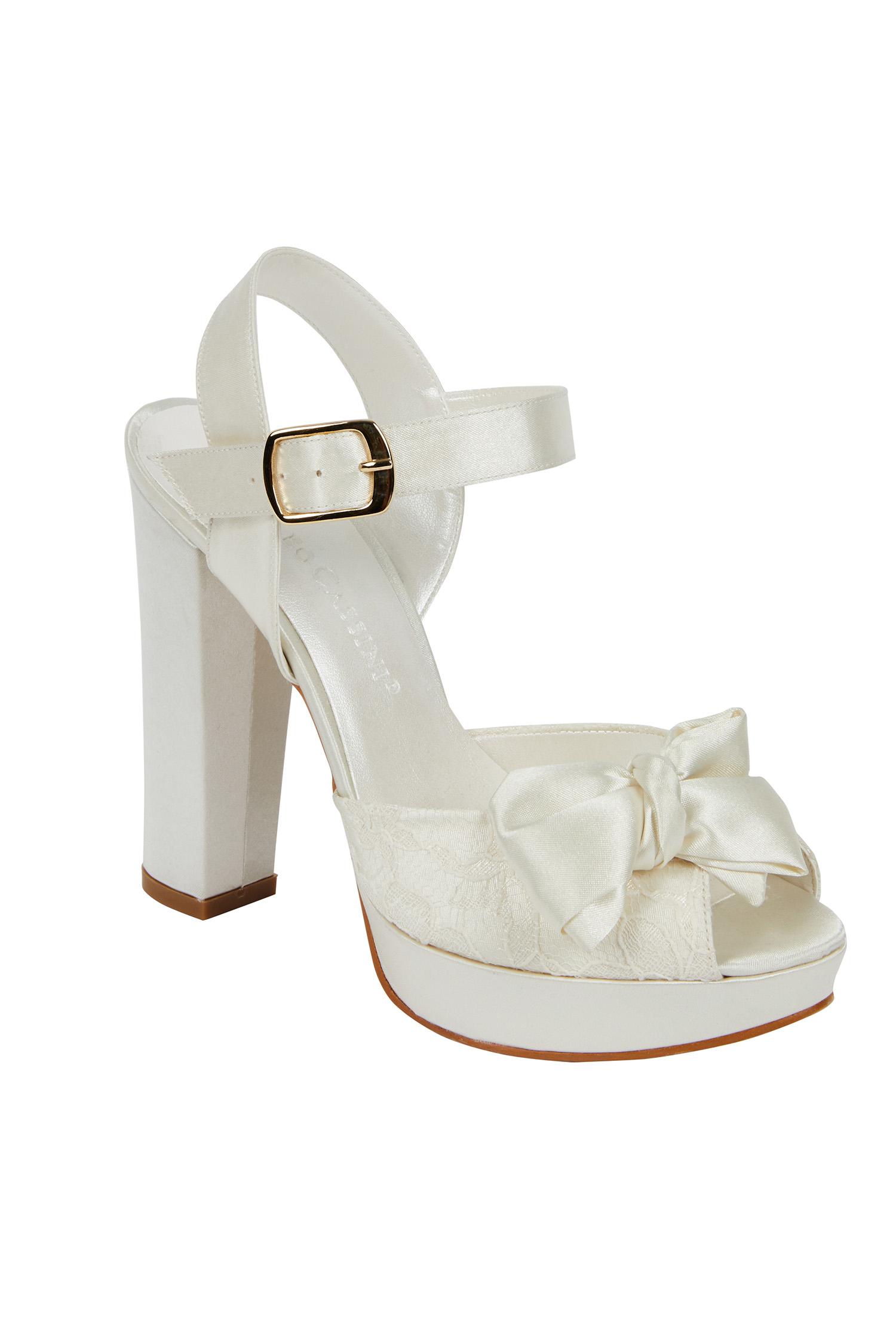 Bilekten Bağlı Kırık Beyaz Topuklu Gelin Ayakkabısı