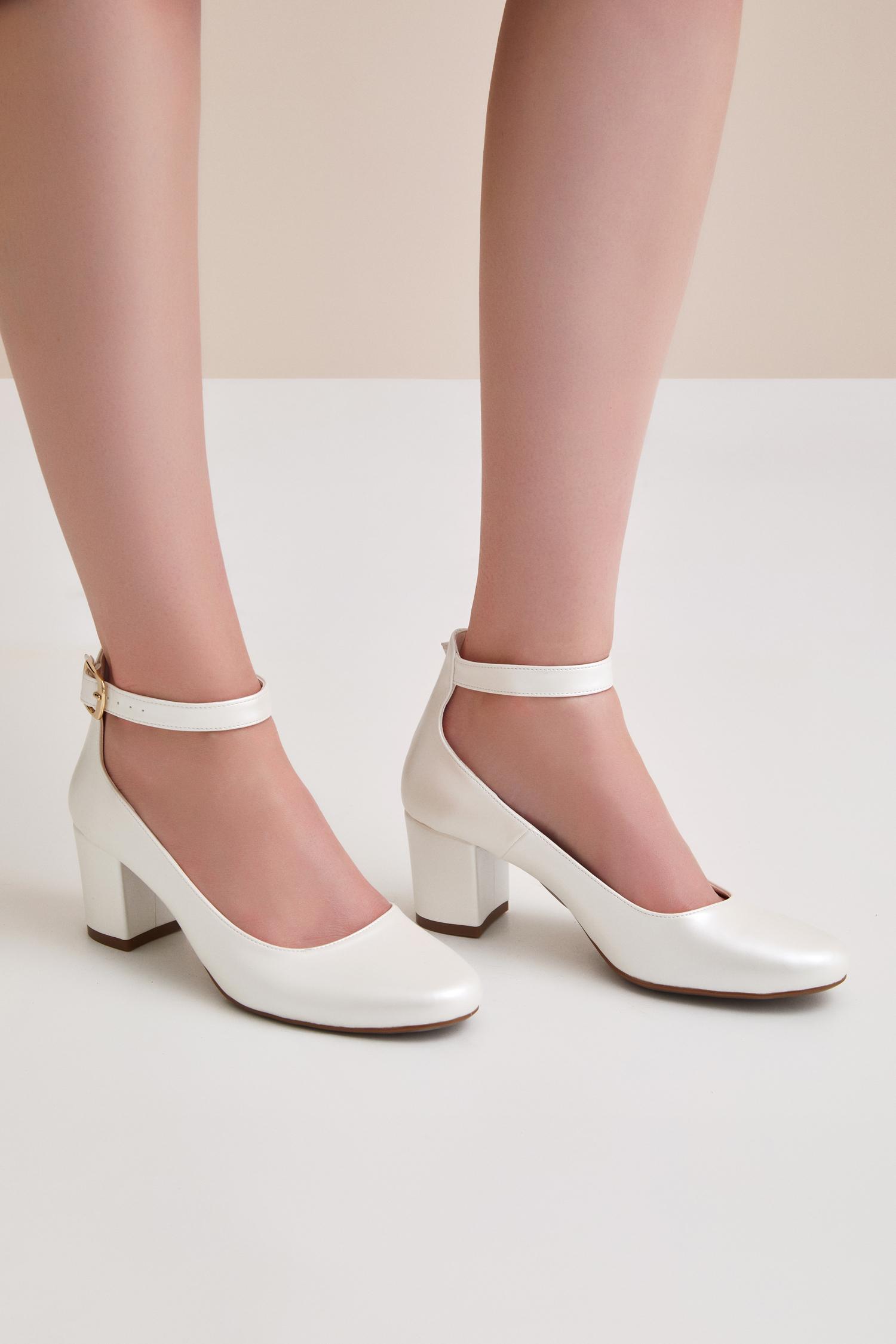 Bilekten Bağlı Orta Boy Topuklu Gelin Ayakkabısı