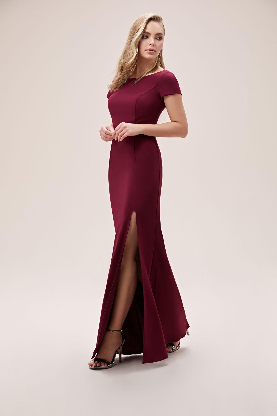 Bordo Kısa Kollu Yırtmaçlı Krep Uzun Elbise - Thumbnail