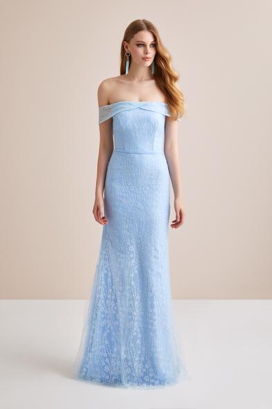 Viola Chan - Buz Mavisi Kayık Yaka Dantel İşlemeli Uzun Abiye Elbise