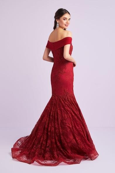Viola Chan - Dantel İşlemeli Kayık Yaka Şarap Kırmızısı Abiye Elbise (1)