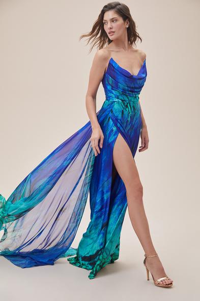 Alfa Beta - Desenli Straplez Yırtmaçlı Saten Uzun Abiye Elbise