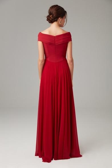 - Kırmızı Kayık Yaka Şifon Uzun Abiye Elbise - Oleg Cassini