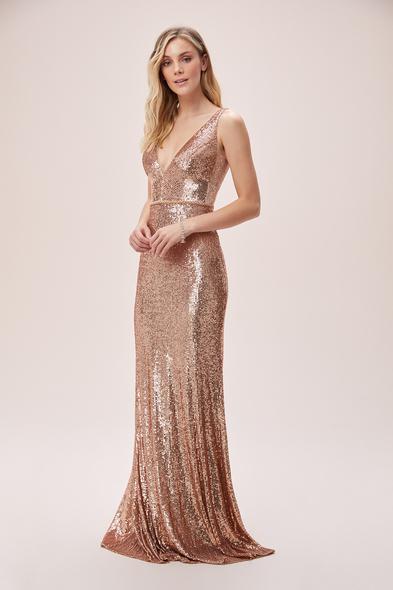 Viola Chan - Gold Payet İşlemeli Derin V Yaka Askılı Uzun Abiye Elbise