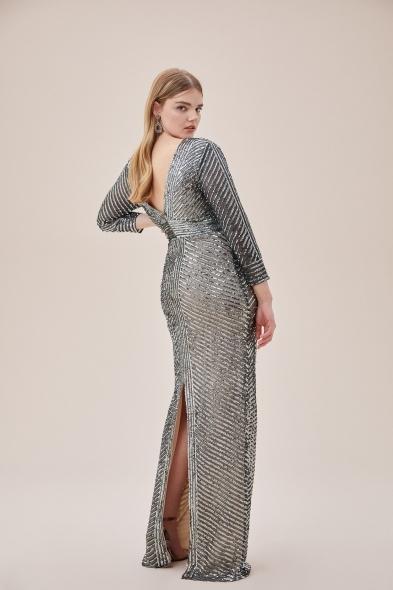 Viola Chan - Gri Payet İşlemeli Uzun Kollu Arka Yırtmaçlı Uzun Büyük Beden Elbise (1)