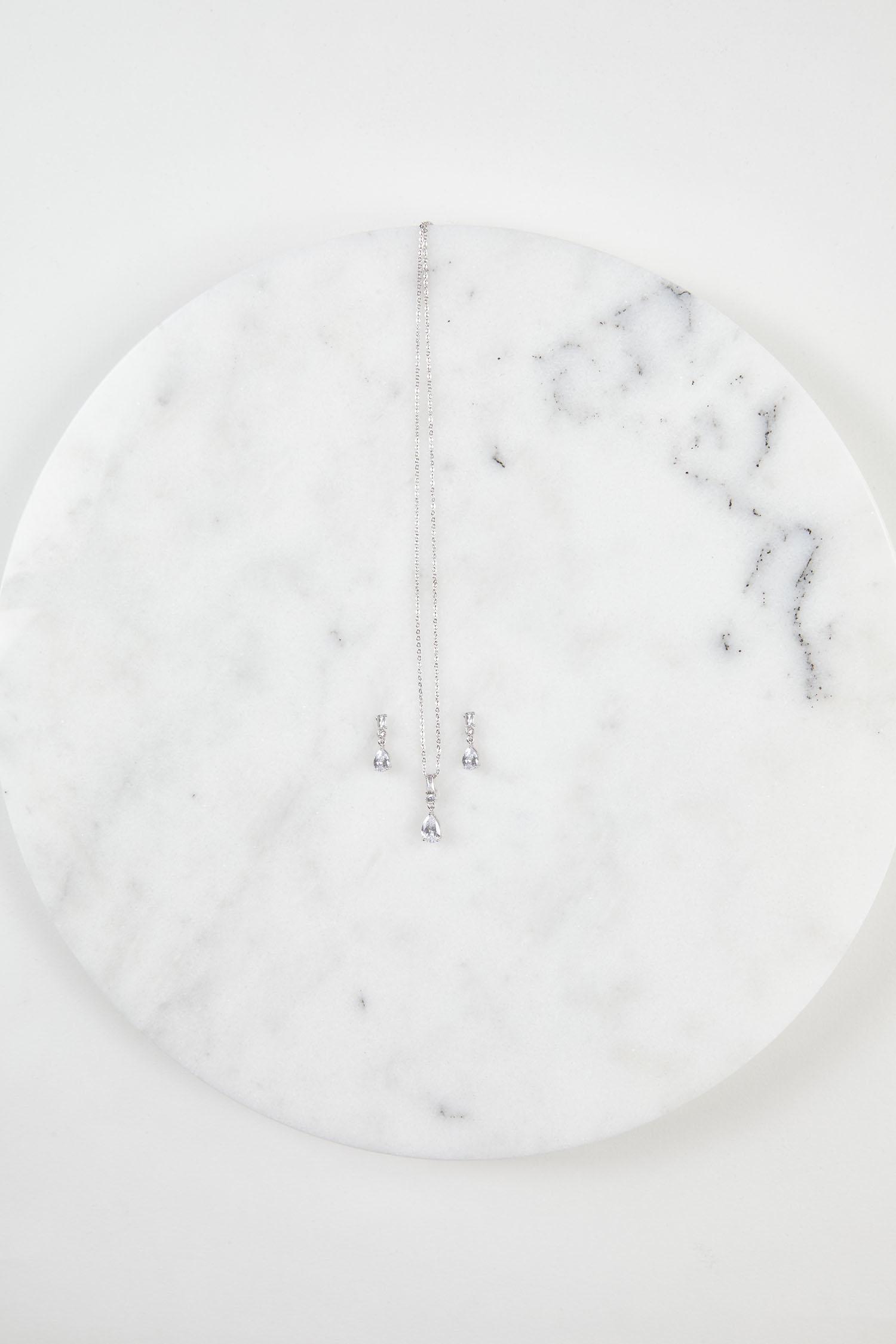 Gümüş Rengi Abiye Kolye ve Küpe Seti - Thumbnail