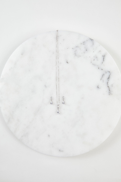 Oleg Cassini - Gümüş Rengi Abiye Kolye ve Küpe Seti