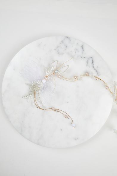 Gümüş Rengi Çiçek Detaylı Gelin Tacı - Oleg Cassini
