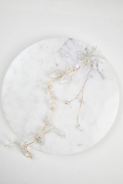 Oleg Cassini - Gümüş Rengi Çiçek Detaylı Gelin Tacı (1)