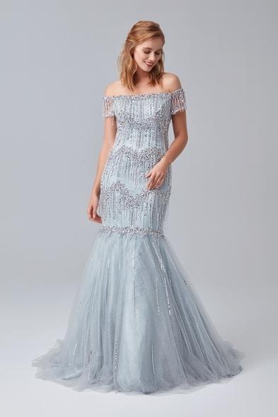 Gümüş Rengi Kayık Yaka Boncuklu Uzun Abiye Elbise