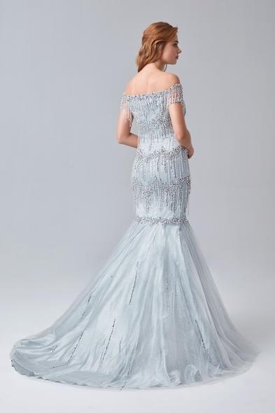 - Gümüş Rengi Kayık Yaka Boncuklu Uzun Abiye Elbise - Oleg Cassini