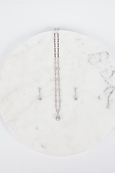 Oleg Cassini - Gümüş Rengi Kristal Taşlı Kolye ve Küpe Seti