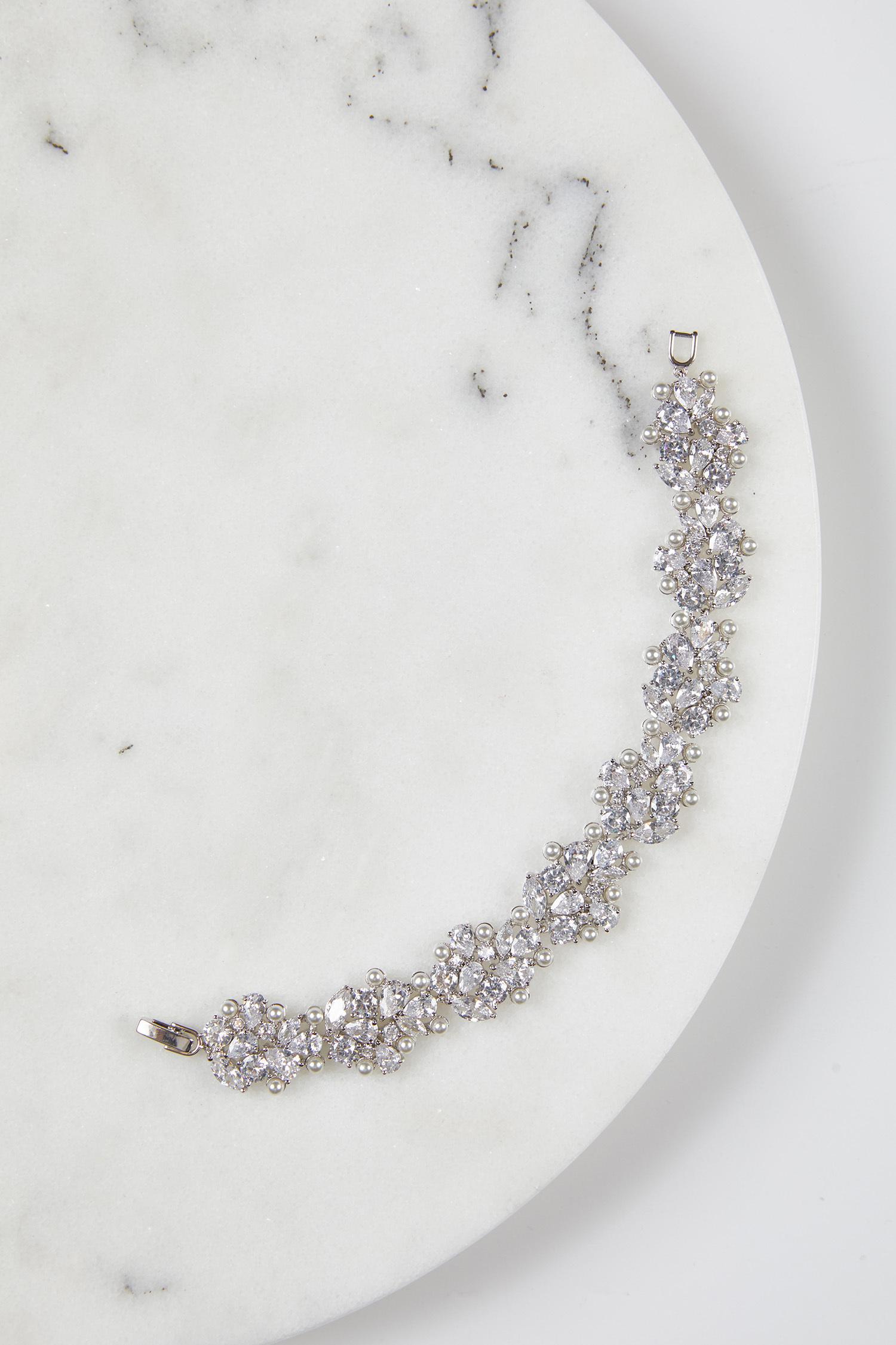 Gümüş Rengi Parlak Abiye Bilezik - Thumbnail