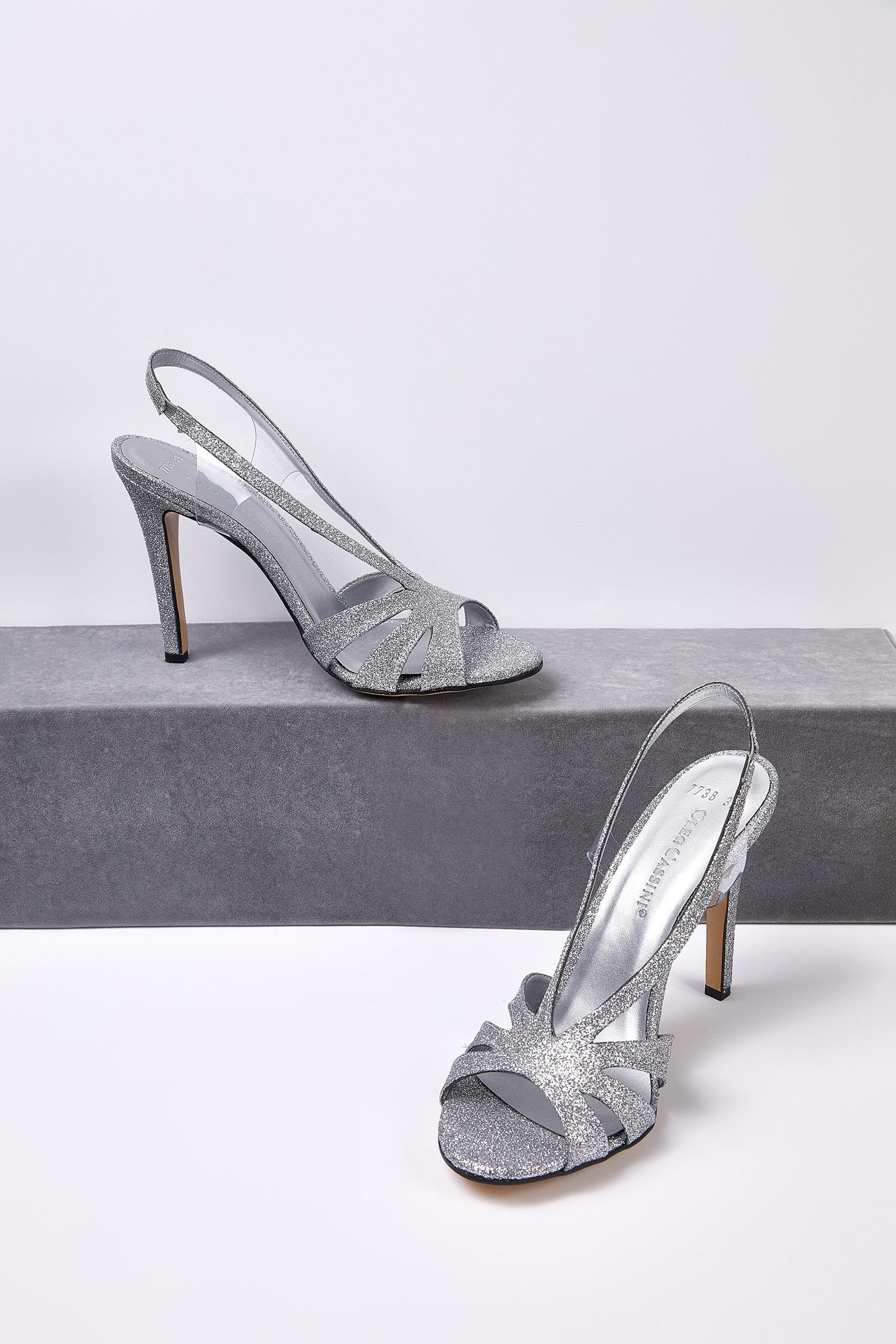 Gümüş Rengi Taşlı Topuklu Abiye Ayakkabısı