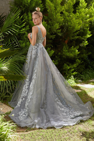 Viola Chan Premium - Gümüş Rengi V Yaka Kolsuz Çiçek İşlemeli A Kesim Uzun Abiye Elbise (1)