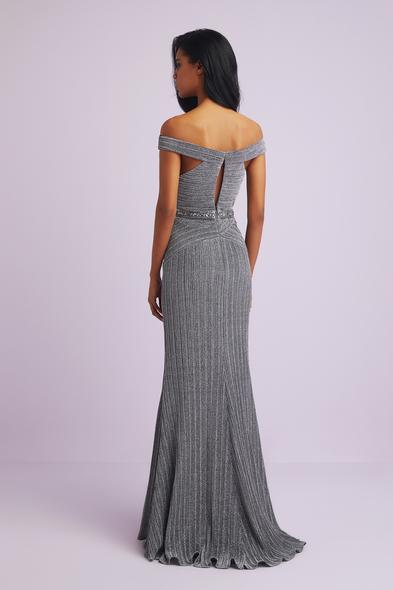 Viola Chan - Gümüş Rengi Madonna Yaka Payetli Uzun Abiye Elbise (1)
