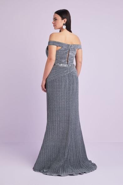 Viola Chan - Gümüş Renk Kayık Yaka Payet İşlemeli Büyük Beden Abiye Elbise (1)