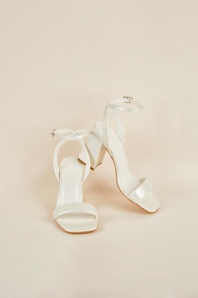 OLEG CASSINI TR - Kalın Topuklu Tek Bantlı Önü Açık Gelin Ayakkabısı (1)