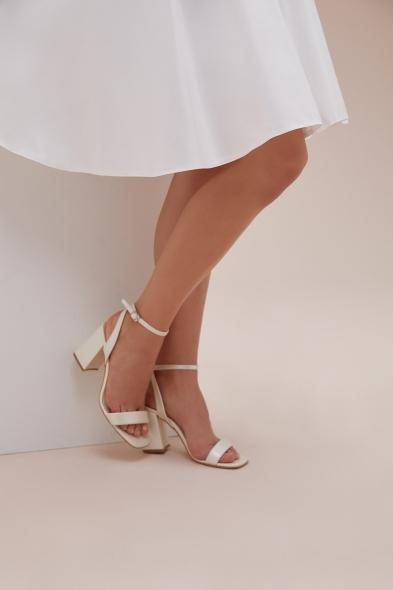 OLEG CASSINI TR - Kalın Topuklu Tek Bantlı Önü Açık Gelin Ayakkabısı