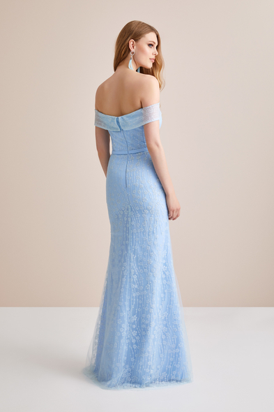 - Buz Mavisi Kayık Yaka Dantel Uzun Abiye Elbise - Oleg Cassini