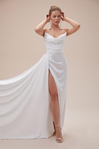 Alfa Beta - Kemik Rengi Straplez Yırtmaçlı Saten Uzun Abiye Elbise