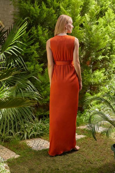 OLEG CASSINI TR - Kiremit Rengi V Yaka Kolsuz Kruvaze Uzun Elbise (1)