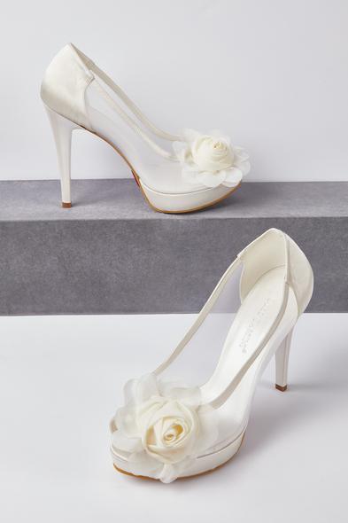 OLEG CASSINI TR - Kırık Beyaz Çiçek Detaylı Topuklu Gelin Ayakkabısı