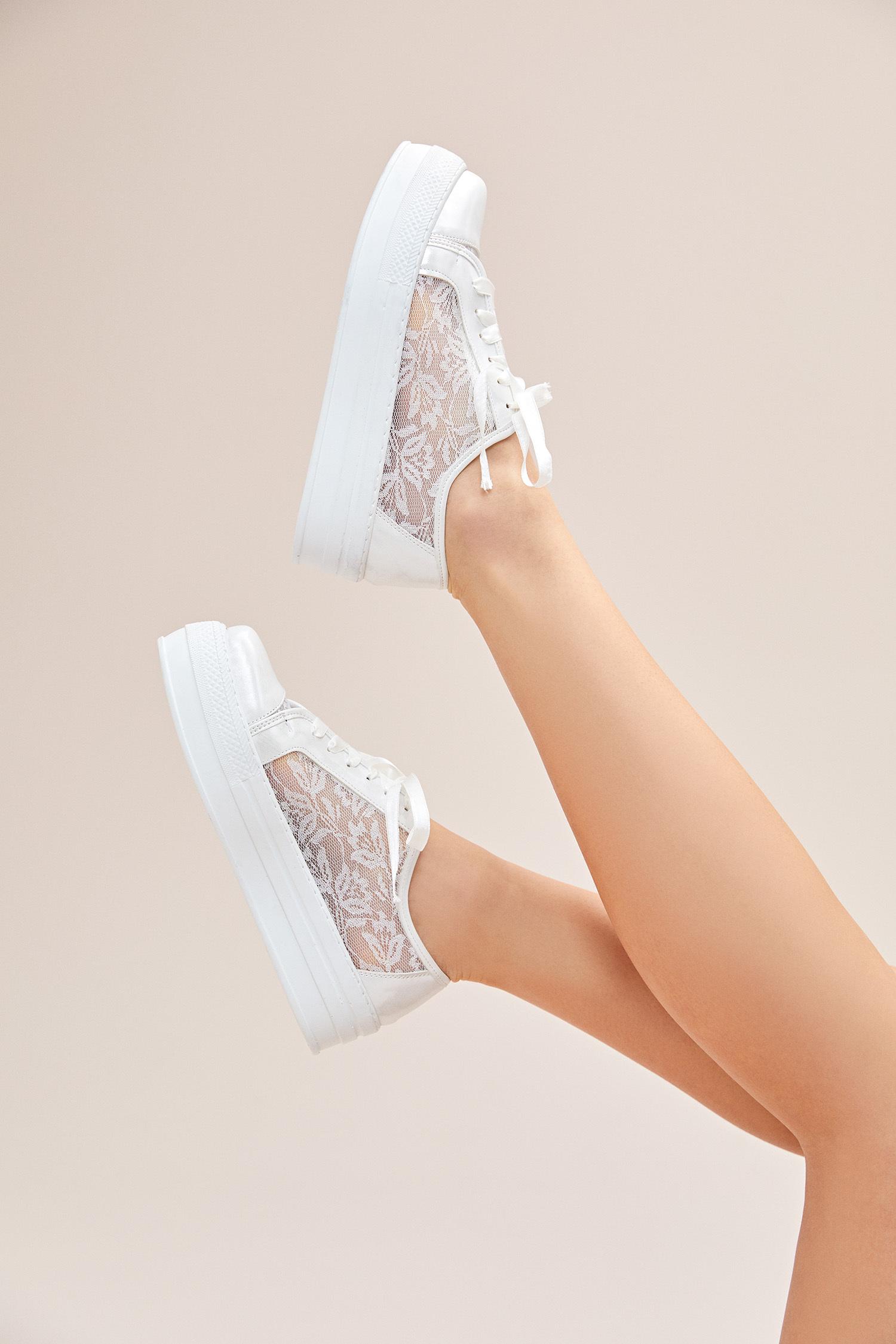 Kırık Beyaz Dantelli Yüksek Taban Gelin Spor Ayakkabı - Thumbnail
