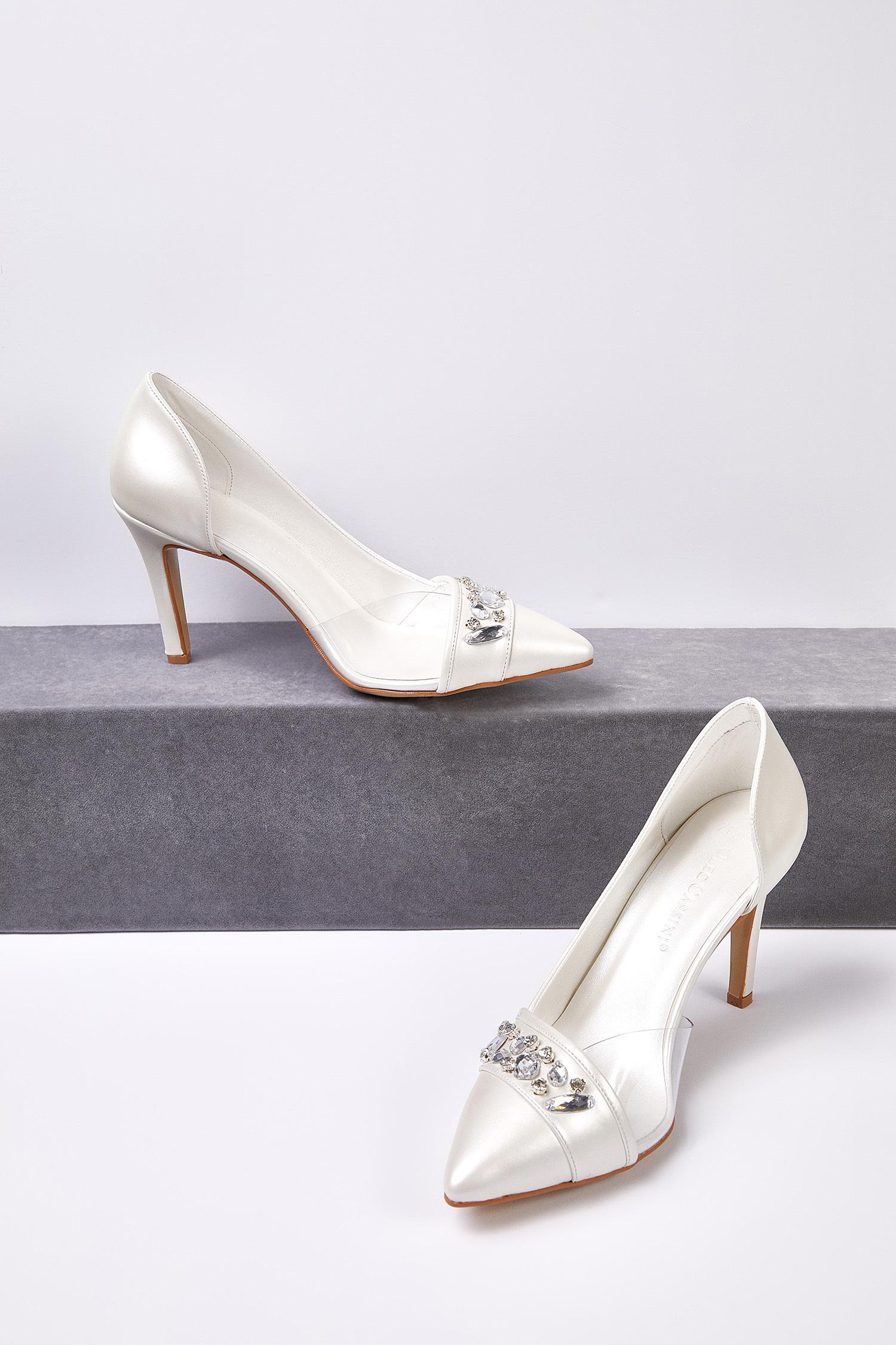 Kırık Beyaz Taş Detaylı Topuklu Gelin Ayakkabısı