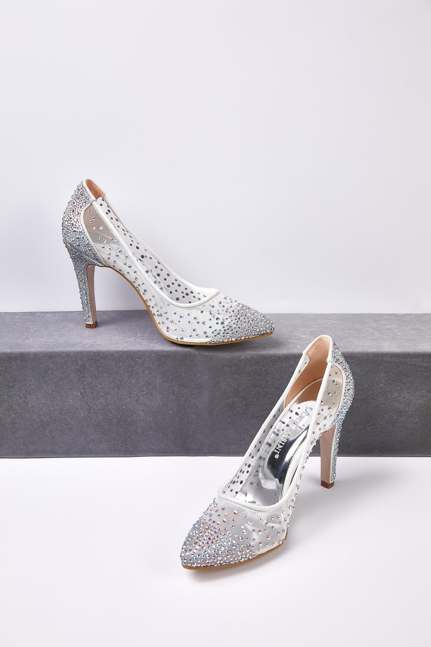 Kırık Beyaz Taş İşlemeli Topuklu Gelin Ayakkabısı