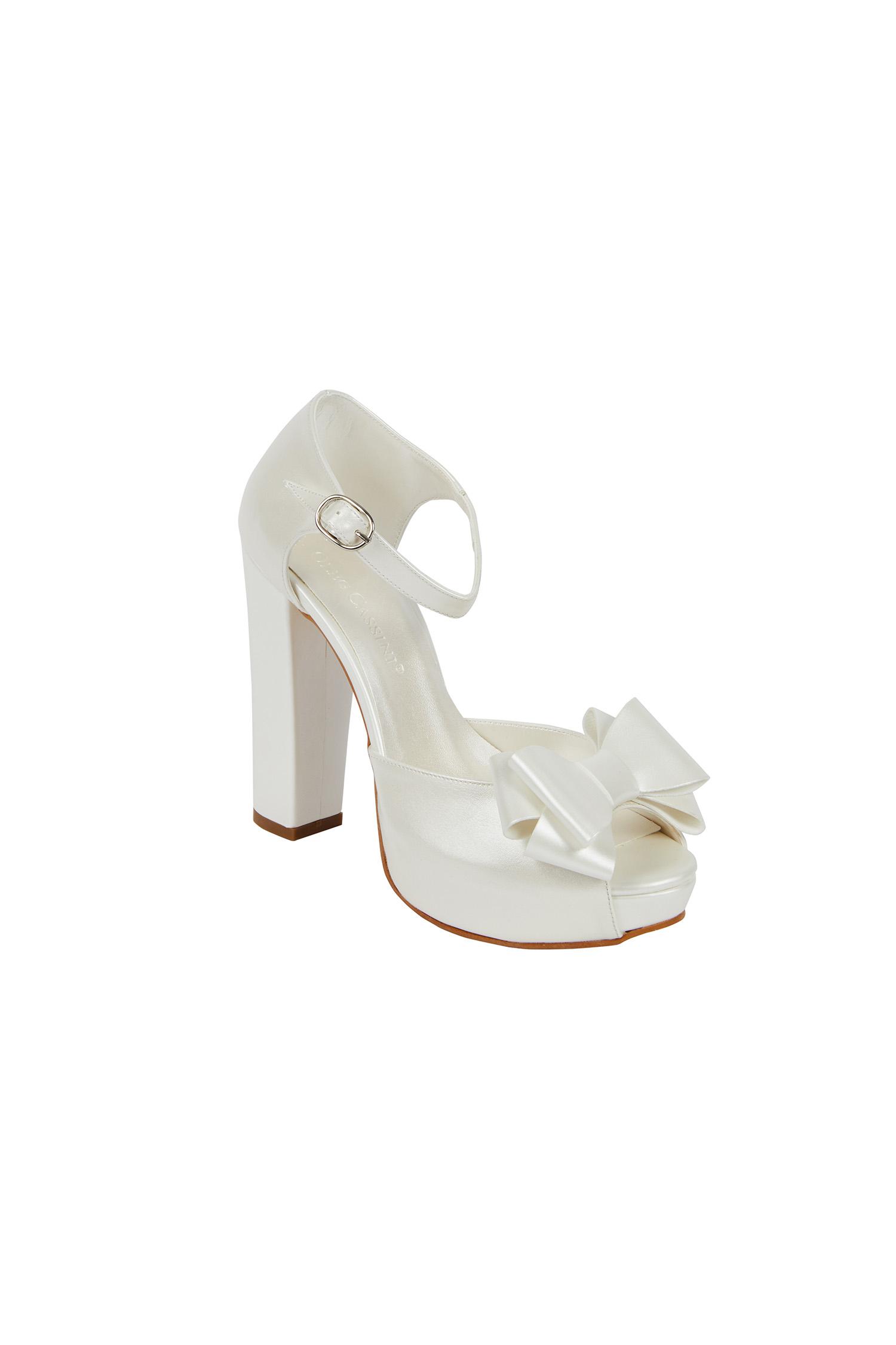 Kırık Beyaz Yüksek Topuklu Gelin Ayakkabısı
