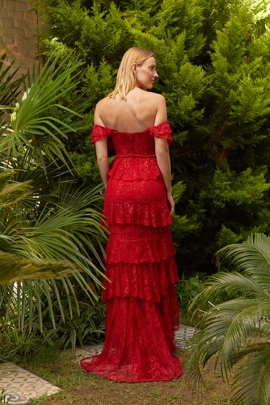 Alfa Beta - Kırmızı Dantel İşlemeli Düşük Omuzlu Yırtmaçlı Uzun Elbise (1)