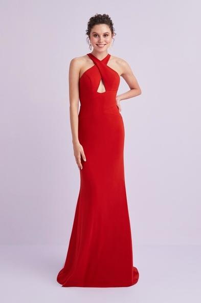 Viola Chan - Kırmızı Halter Yaka Sırt Dekolteli Krep Abiye Elbise