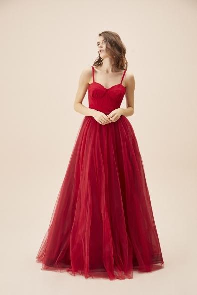 Viola Chan - Kırmızı İnce Askılı Korseli Tül Etekli Uzun Büyük Beden Abiye Elbise