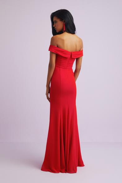 Oleg Cassini - Kırmızı Kayık Yaka Krep Uzun Abiye Elbise (1)