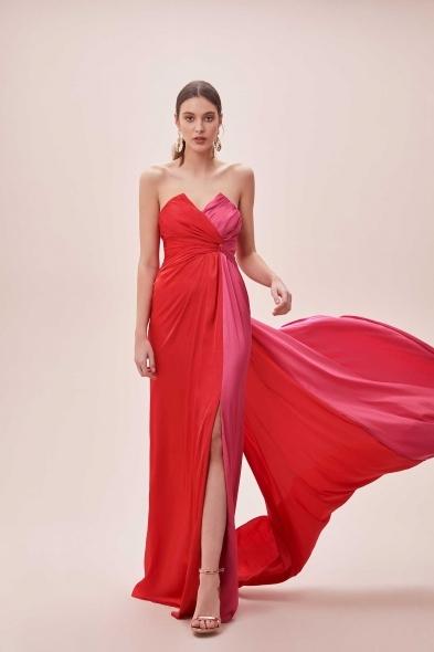 Viola Chan - Kırmızı Pembe Straplez Yırtmaçlı Uzun Elbise (1)