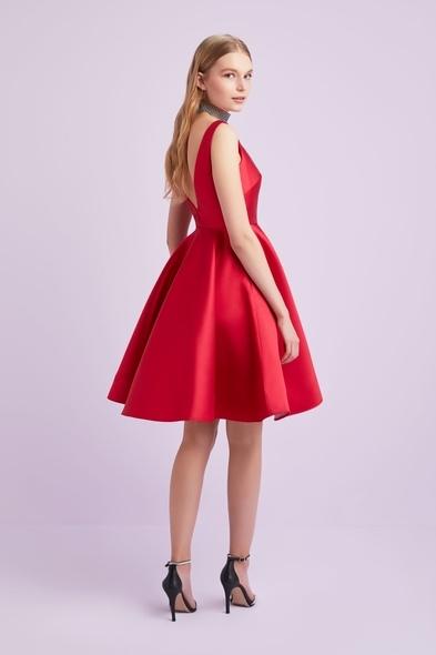 - Kırmızı Saten Askılı Kısa Elbise - Oleg Cassini