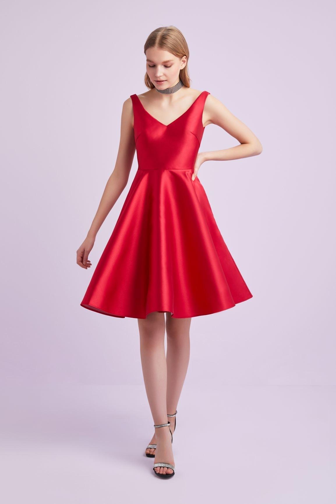 Kırmızı V Yaka Kloş Etekli Kısa Abiye Elbise - Thumbnail