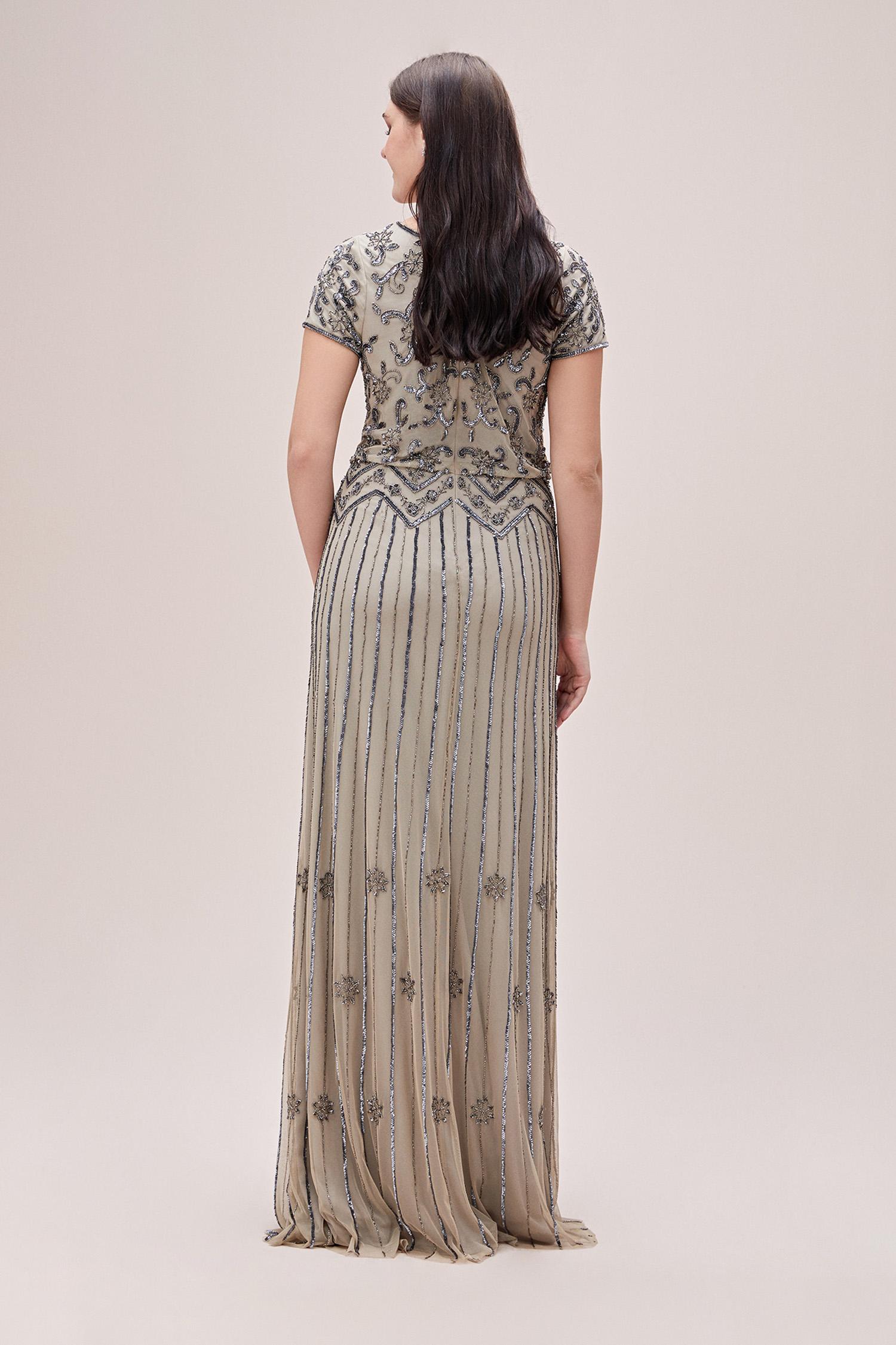 Koyu Gri Pullu Ten Rengi Kısa Kollu Uzun Büyük Beden Abiye Elbise - Thumbnail