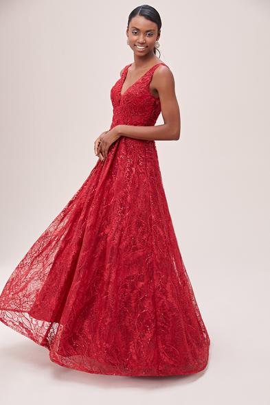 Viola Chan - Koyu Kırmızı Kalın Askılı V Yaka İşlemeli Uzun Elbise
