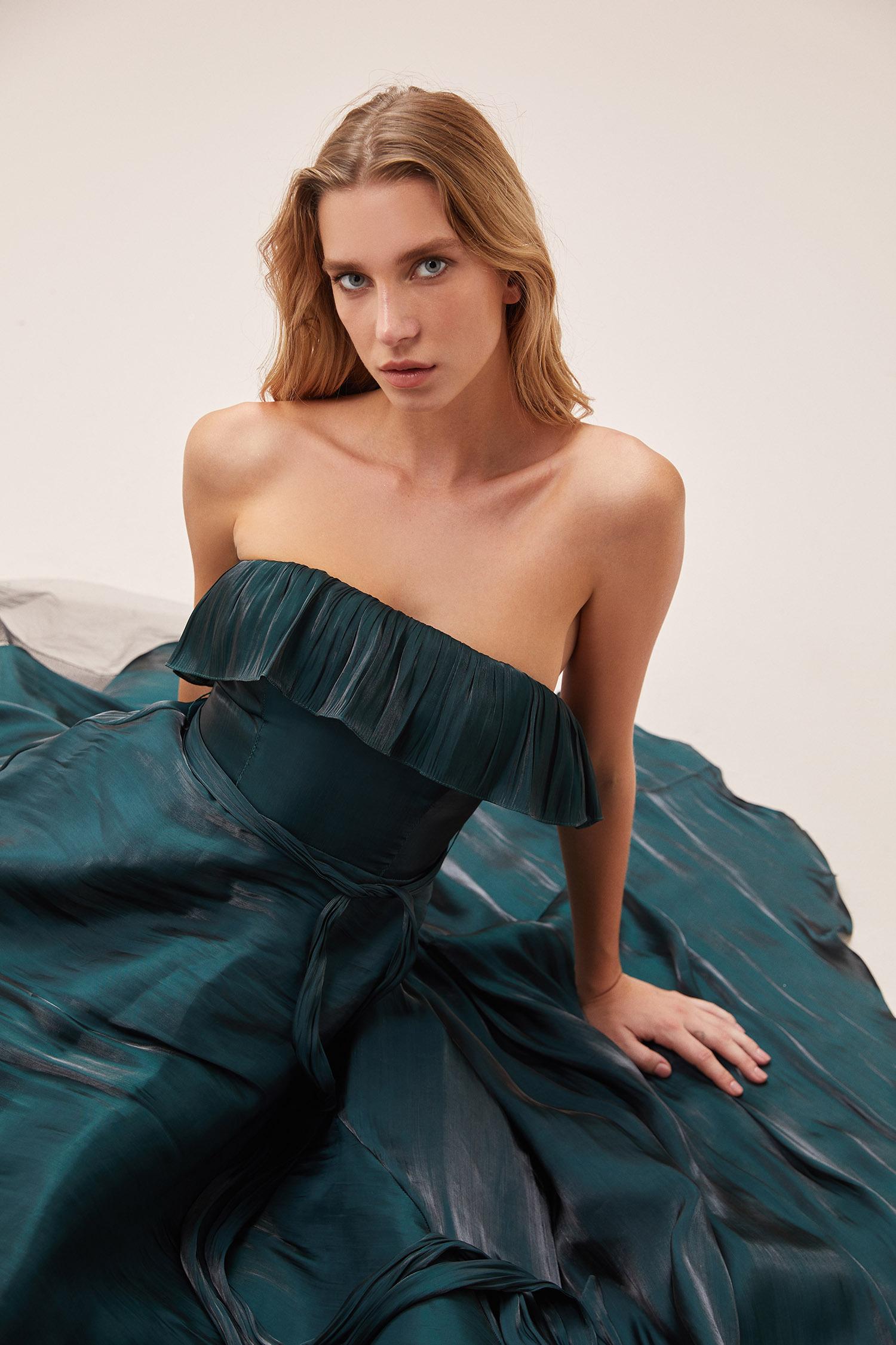 Koyu Yeşil Straplez Belden Bağlama Detaylı Uzun Abiye Elbise - Thumbnail