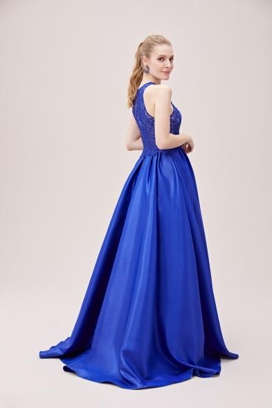 Viola Chan - Lacivert Dantel İşlemeli Halter Yaka Saten Etekli Uzun Abiye Elbise (1)