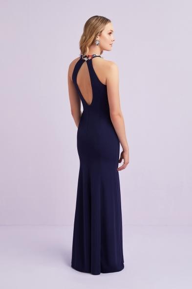 Viola Chan - Lacivert Halter Yaka Detaylı Krep Uzun Abiye Elbise (1)